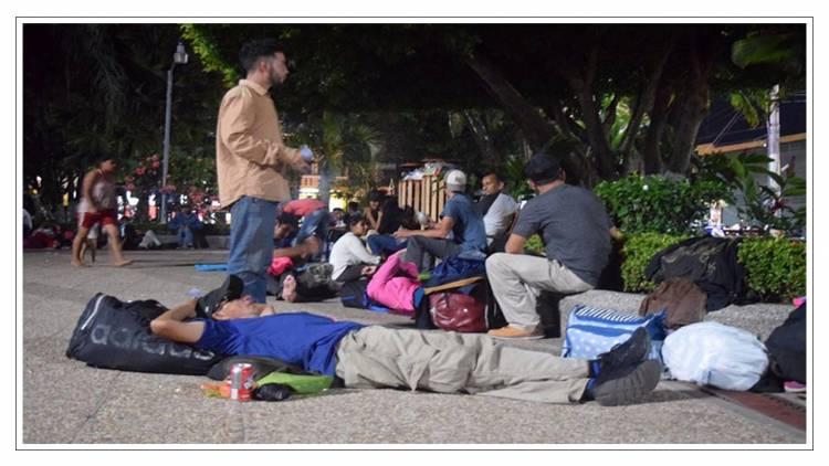 Esperan migrantes tarjeta de visitante para continuar hacia EUA