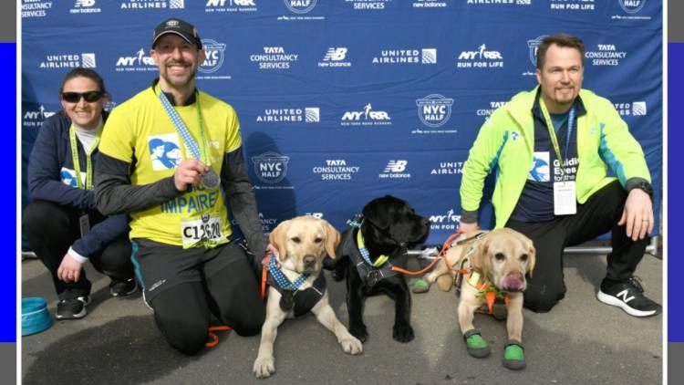 Corredor ciego y sus perros hacen historia en el Medio Maratón de Nueva York