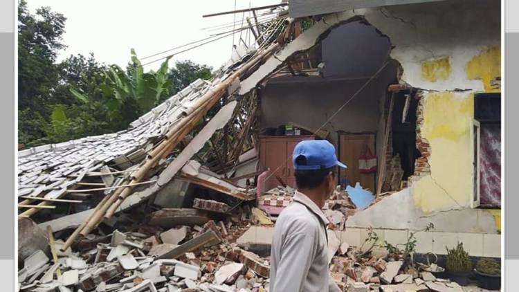 Sismo en Indonesia activa alerta de tsunami