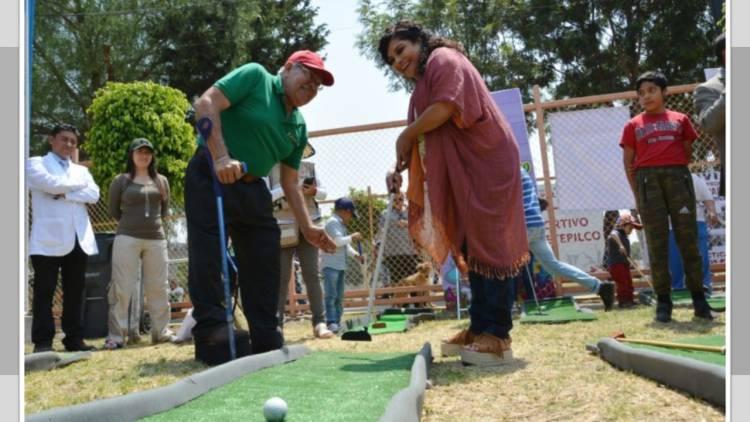 Alcaldesa de Iztapalapa entrega alberca rehabilitada