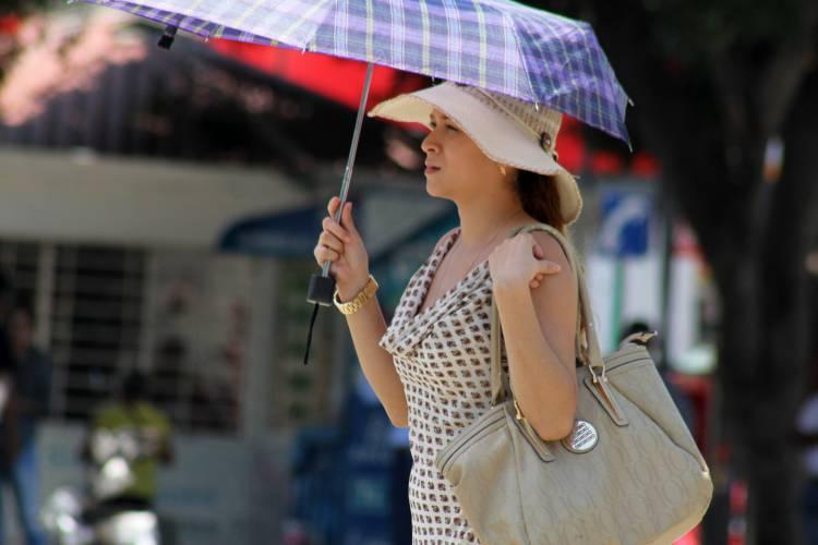 Onda de calor afectará a 26 estados; disminuye potencial de lluvias