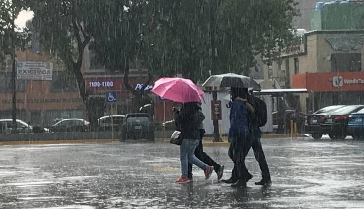 Pronostican lluvias y actividad eléctrica por la tarde en el Valle de México