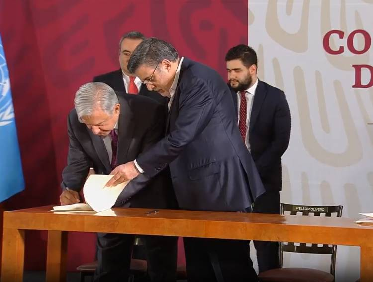 AMLO firma decreto que elimina condonaciones de impuestos