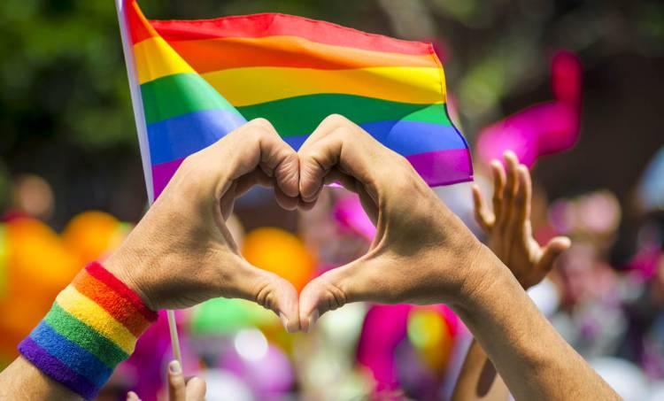 Dan actas de nacimiento a cinco personas transexuales en Querétaro