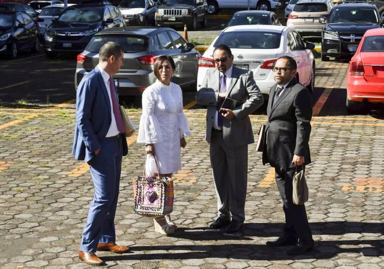 Rosario Robles llega al Reclusorio Sur para comparecencia