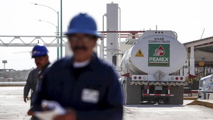 Pemex compra más gasolina China y menos de Estados Unidos