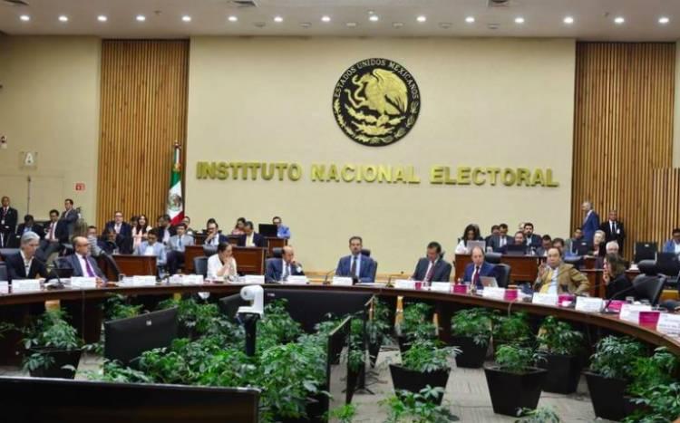 Diputados quieren que presidencia del INE dure tres años