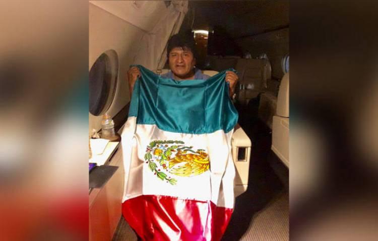 Prevén que Evo Morales llegue a México hoy a las 11:00 horas