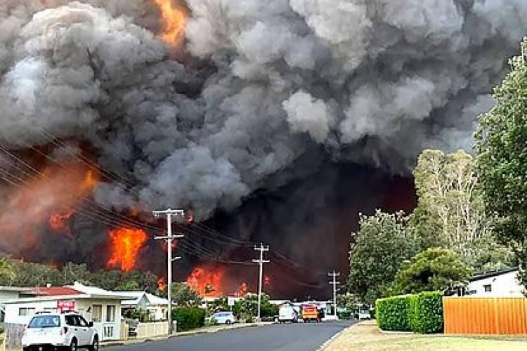 Ordenan evacuación masiva en Australia por recrudecimiento de incendios