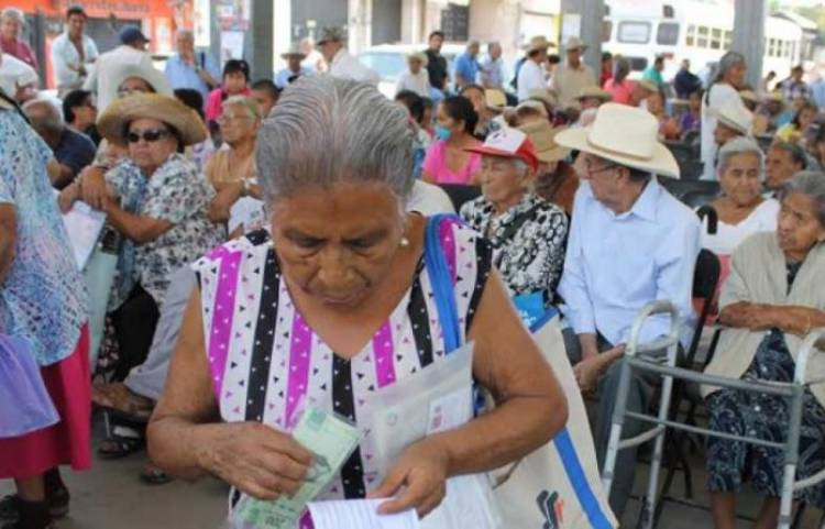 Aumenta pensión para adultos mayores y personas con discapacidad