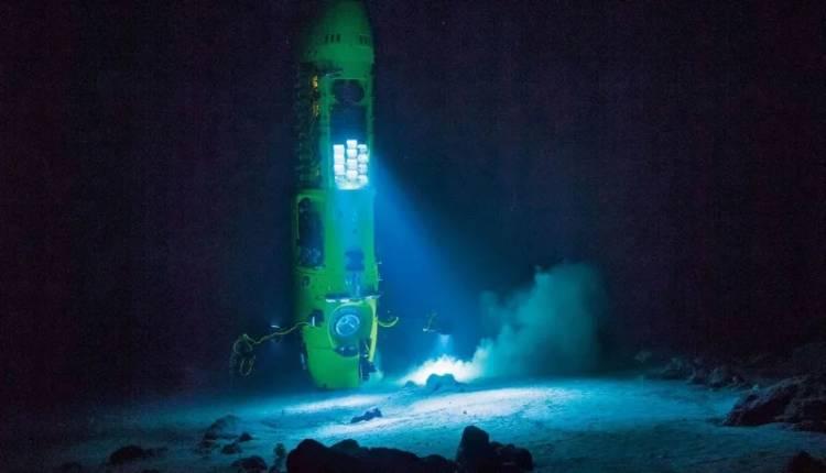 Submarino ruso llega al punto más profundo de la Tierra