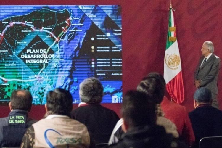 """AMLO no descarta dar """"banderazo virtual"""" a inicio de obras del Tren Maya"""