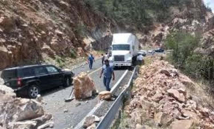 SCT repara daños en carretera Oaxaca-Tehuantepec por sismo