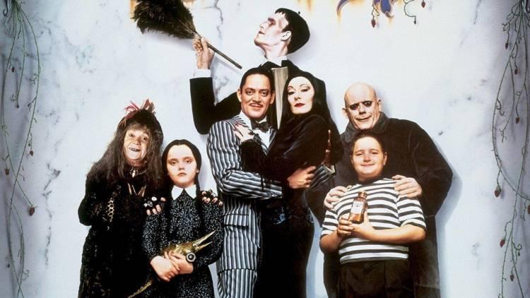 Tim Burton producirá y dirigirá serie de La Familia Addams