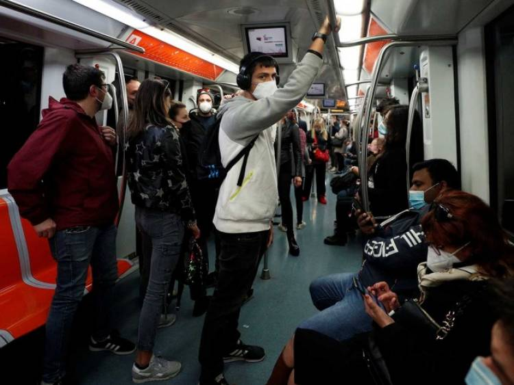 Culpa Italia al transporte público del aumento de covid-19