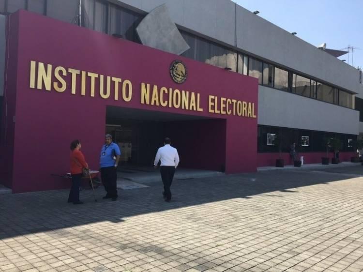 Prohíbe INE a Morena usar programas sociales con fin proselitista