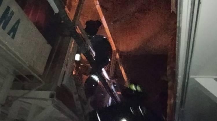 Bomberos extinguen incendio en mercado de Tepito