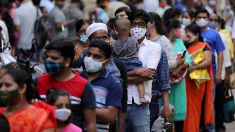 India rebasa 400,000 contagios diarios de Covid-19
