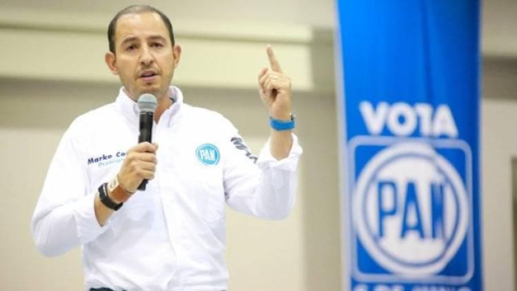 Marko Cortés gana más que AMLO