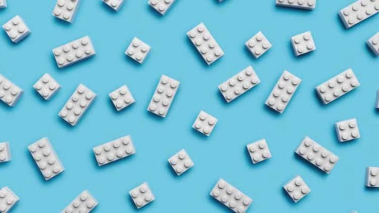 Lego por fin da con la fórmula para usar plástico reciclado en sus bloques