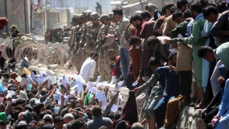 Dos explosiones cerca del aeropuerto de Kabul dejan muertos y decenas de heridos